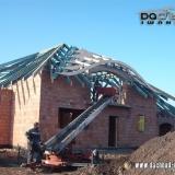 Wolbrom - dachówka karpiówka (w czasie budowy dachu)